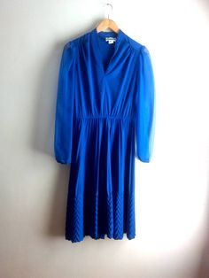 Retro Vibrations Peacock Blue Pleat Party Dress / Women's Size M / Chevron Pleat Bottom / Midi Dress / Rockabilly / Pin Up by JulesCristenVintage on Etsy