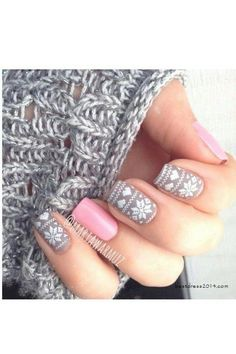 Hey there lovers of nail art! In this post we are going to share with you some Magnificent Nail Art Designs that are going to catch your eye and that you will want to copy for sure. Nail art is gaining more… Read more › Love Nails, Fun Nails, Pretty Nails, Style Nails, Xmas Nails, Holiday Nails, Snow Nails, Nail Art Noel, Manicure E Pedicure