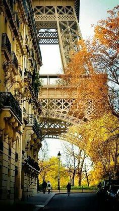 Paris 7e, détail de la tour Eiffel,  France