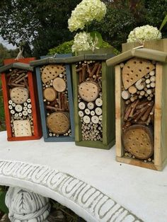 Bug Boxes / Hotels Brown Things brown color for black hair Garden Crafts, Garden Projects, Garden Art, Garden Design, Bug Hotel, Insect Box, Mason Bees, Bee House, Garden Insects