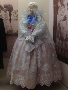 Girls Dresses, Flower Girl Dresses, Folk Costume, Wedding Dresses, Flowers, Fashion, Dresses Of Girls, Bride Dresses, Moda