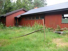 ROS-Hytta i sommerdrakt Shed, Outdoor Structures, Plants, Backyard Sheds, Sheds, Plant, Coops, Barn, Planting