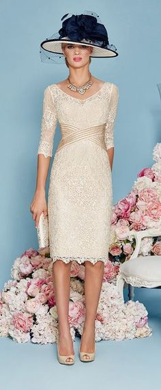 Alluring Lace Scoop Neckline Sheath Mother of The Bride Dress With Beading