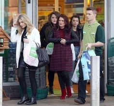 Perrie out shopping with Zayn's family