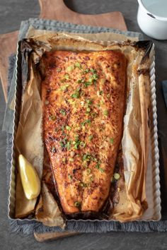Salmon with Garlic Butter & Honey - Maryse & Cocotte - Saumon - Best Fish Recipes, Asian Fish Recipes, Walleye Fish Recipes, Recipes With Fish Sauce, Whole30 Fish Recipes, White Fish Recipes, Salmon Recipes, Meat Recipes, Cooking Recipes