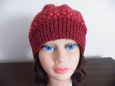 Knitted Dark red and beads Hat