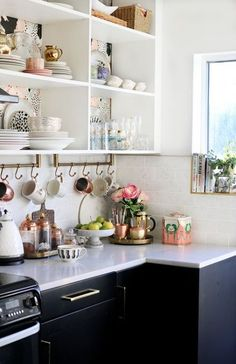 Eclectic kitchen decor eclectic glam kitchen with open shelving and gold and copper accents eclectic kitchen decorating ideas Kitchen Ikea, Kitchen Shelves, Home Decor Kitchen, Interior Design Kitchen, New Kitchen, Kitchen Dining, Country Kitchen, Kitchen Small, Kitchen Pantry