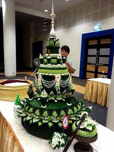 กระทง Flower Garland Wedding, Flower Garlands, Flower Decorations, Thai Decor, Housewarming Decorations, Banana Leaves, Thai Art, Girls Dream, My Flower