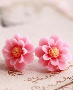 http://www.pinterest.com/littledebbi64/i-love-pink/