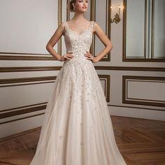 Make a statement. #JustinAlexander #Style_8813 #InstaBride #BridalGown #Bridal #Bride #BrideToBe #Wedding #WeddingDress #Statement #Fashion