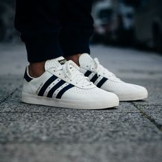 "adidas 350 ""Off White Collegiate Navy"""