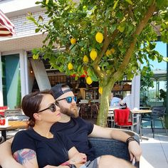 @simona.blanar #mysan#isan#ceplo##tropico#summer#lemon#yellow#nemelidobrupizzu by adamkremertattoo