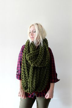 Sciarpa Infinity - Hand Knitted Chunky Infinity Scarf  #winter #inverno