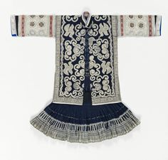 Cotton dyed with indigo, batik decor, China, Guizhou, the Miao people, late 20th century, inv.  70.2007.35.1.1.2 © musée du quai Branly, photo Thierry Ollivier, Michel Urtado