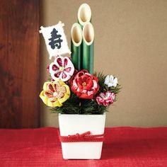 日本の美意識と季節感を伝えてくれる、端正な「和の花」たち。|ちりめんで形にする和の趣 四季折々つまみ細工のお花の会