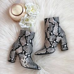 From casual to beautiful, try on-trend mid-calf boots with the exclusive patterns and patterns you certainly will absolutely adore. Aldo Shoes, Shoes Heels, Pumps, Shoes Sneakers, Bootie Boots, Shoe Boots, Ankle Boots, Dress Boots, Cute Shoes
