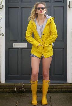 Yellow Rain Boots, Yellow Rain Jacket, Yellow Coat, Wellies Boots, Rainy Day Fashion, Yellow Raincoat, Raincoats For Women, Pumps, Feminine Fashion
