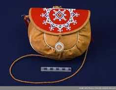 Bilderesultat for sami duodji Cute Teen Outfits, Outfits For Teens, Native Style, Ribbon Work, Folk Costume, Samara, Traditional Outfits, Fiber Art, Saddle Bags