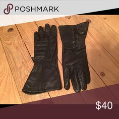 Womens Harley Davidson leather gloves Lg lace up Used in Great shape, lace up wide wrist openings Harley-Davidson Accessories Gloves & Mittens