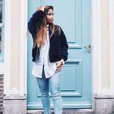 Blue, you are my favorite color and yours? 💙 | @styledbyromy 📸 . Psst, you can still get 15% off your order @harperandbrooks. Just use the code ESSERE15. Enjoy 💃🏽  #velvet #bomberjacket