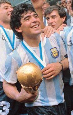 Argentina Players, Argentina Football, Fifa, Surf, Diego Armando, World Cup Winners, Free Kick, Professional Football, Second Best