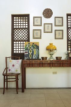 A rustic weekend house in the city of Lipa Real Living Philippines Decor, Home Interior Design, Filipino House, House Interior, Weekend House, Living Room Interior, Interior, Modern Filipino Interior, Trendy Home