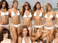 Find out which famous fashion model you are here! Mini Bikini, Bikini Beach, Hot Bikini, Bikini Swimwear, Bikini Girls, Mode Du Bikini, Beauté Blonde, Bikini Poses, Beach Bunny