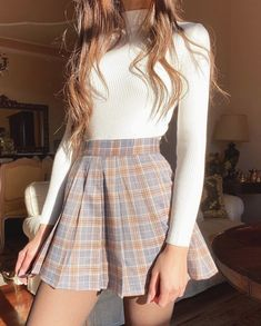 outfits for school ; outfits with leggings ; outfits with air force ones ; outfits with black jeans ; outfits for school winter ; outfits with sweatpants Cute Casual Outfits, Girly Outfits, Mode Outfits, Retro Outfits, Stylish Outfits, Outfits With Turtlenecks, Plaid Skirt Outfits, Outfit With Skirt, Cute Outfits With Skirts