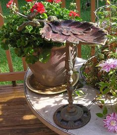 Antique/Old Vintage Castiron Bird Bath Garden Statue Cast Iron Acorns Leaf Bowl, neat.