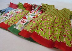 NEW - Oven Door Dress Dishtowels - Activate your Creative Gift Giving! Kitchen Hand Towels, Dish Towels, Tea Towels, Christmas Towels, Christmas Sewing, Christmas Gifts, Sewing Art, Sewing Crafts, Crochet Towel Holders