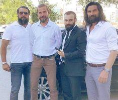 Turkish Men, Turkish Fashion, Turkish Beauty, Turkish Actors, Cute Friend Pictures, Girl Pictures, Historical Tv Series, Foreign Celebrities, Esra Bilgic