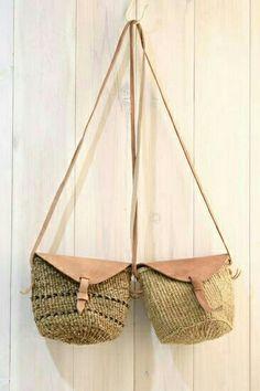 Hasır canta Crochet Pencil Case, Rope Decor, Diy Sac, Ethnic Bag, Boho Bags, Craft Bags, Jute Bags, Crochet Purses, Knitted Bags