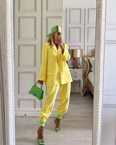 Colourful Outfits, Colorful Fashion, Retro Fashion, Suit Fashion, Fashion Looks, Fashion Outfits, Womens Fashion, Street Style Edgy, Street Style Women