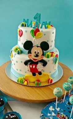 Mickey Mouse - cake by fondantfantasy Pastel Mickey Mouse Niño, Bolo Do Mickey Mouse, Mickey And Minnie Cake, Bolo Minnie, Mickey Mouse Cupcakes, Mickey Cakes, Baby Boy Birthday Cake, Mickey Mouse Birthday Cake, Baby Birthday Cakes