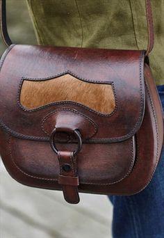 ОЛИВКОВОЕ кожаную сумку / Saddle Bag (КИНОФЕСТИВАЛЬ FUN)