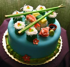 I have searched the internet for the best versions of dessert sushi online - sushi cakes, sushi cupcakes and sushi candy. Check out the step by step guides on making dessert sushi at home. Crazy Cakes, Fancy Cakes, Mini Cakes, Cupcake Cakes, Cupcake Ideas, Food Cakes, Beautiful Birthday Cakes, Beautiful Cakes, Amazing Cakes