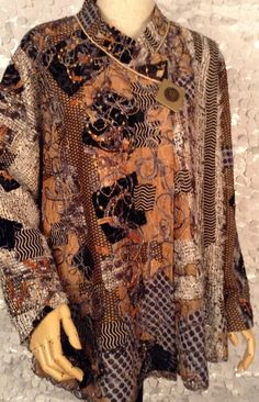 Fall 2015 - Diane Prekup Fiber Fashion Sewing, Fashion Art, Fashion Outfits, Silk Jacket, Quilted Jacket, Altered Couture, Looks Vintage, Comfortable Outfits, Clothing Patterns