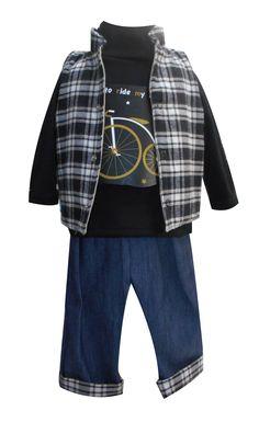 Chaleco cuello tipo mao, playera manga larga cuello alto y pantalón de mezclilla con valencianas. Tallas 3, 6, 12 y 18 meses.