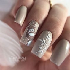The best new nail polish colors and trends plus gel manicures, ombre nails, and nail art ideas to try. Get tips on how to give yourself a manicure. Christmas Gel Nails, Holiday Nails, Cute Nails, Pretty Nails, Nails Kylie Jenner, Nail Art Noel, Romantic Nails, Nagellack Design, Seasonal Nails