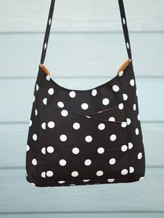 Weekend Sling Bag PDF Sewing Pattern by alifoster on Etsy, $7.00 I want this pattern.