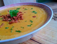 Zoals jullie weten ben ik een enorme liefhebber van soep! En deze maakte ik onlangs en het is gelijk een van mijn favoriete soepen geworden! Niet alleen is hij prachtig van kleur, het is ook een le...
