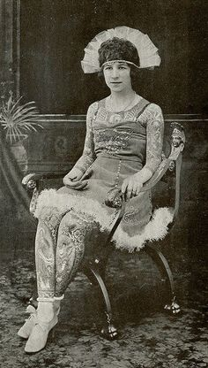 vintage everyday: 39 Gorgeous Vintage Photos of Tattooed Ladies in the Late 19th and Early 20th Centuries Artoria Gibbons, ca. 1920s