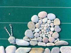 Une activité artistique, simple et ludique : des tableaux en galets