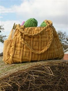 Big Honkin Bag. FREE pattern in Ravelry.