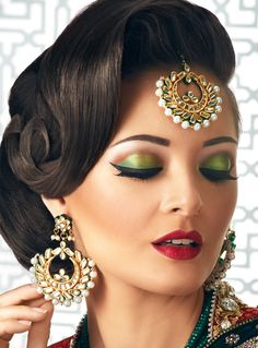 Bridal Gallery :: Khush Mag - Asian wedding magazine for every bride and groom planning their Big Day Bridal Makeup Images, Beautiful Bridal Makeup, Asian Bridal Makeup, Bridal Makeup Looks, Bridal Hair And Makeup, Wedding Makeup, Indian Makeup, Indian Bridal Hairstyles, Party Hairstyles