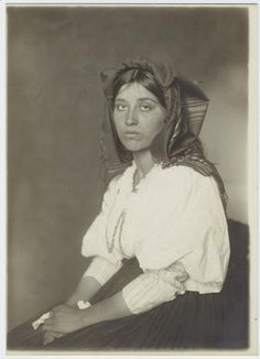 ellis island italian woman - Cerca con Google