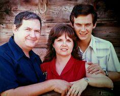 At our studio in Texas.Bob,Sami and Robert Lamb.