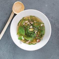 Soupe de kiwi Nergi et thé à la menthe