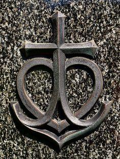 Cross anchor heart