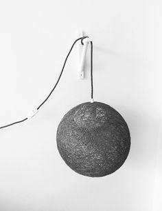 Un favorito personal de mi tienda Etsy https://www.etsy.com/es/listing/252477464/sphere-lampara-esfera-gris-con
